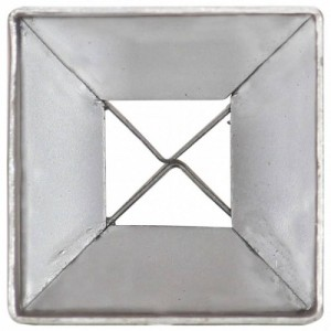 2 db ezüstszínű horganyzott acél kerítéstüske 7 x 7 x 75 cm