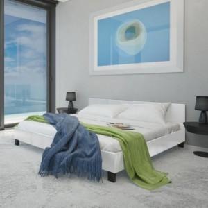 Fehér műbőr ágy matraccal...